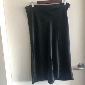 💙 4/$20 HM Bias Cut Skirt